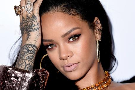 """""""ANTI"""" è senza dubbio il miglior album della carriera di Rihanna."""