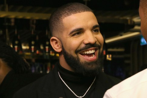"""Drake è tornato in cima alle classifiche con il nuovo CD """"Scorpion"""""""