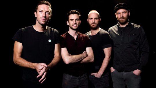 """""""Everyday Life"""" segna il ritorno dei Coldplay ai livelli di """"Viva La Vida Or Death And All His Friends"""" (2008)."""