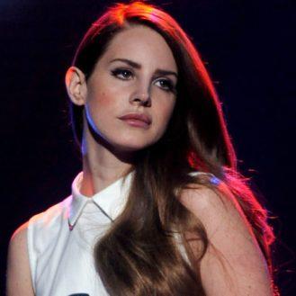 """""""Norman Fucking Rockwell!"""" è il CD più bello della carriera di Lana Del Rey."""