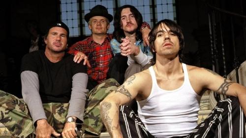 I Red Hot Chili Peppers con John Frusciante di nuovo nel gruppo? Hype a 1000, niente da aggiungere.