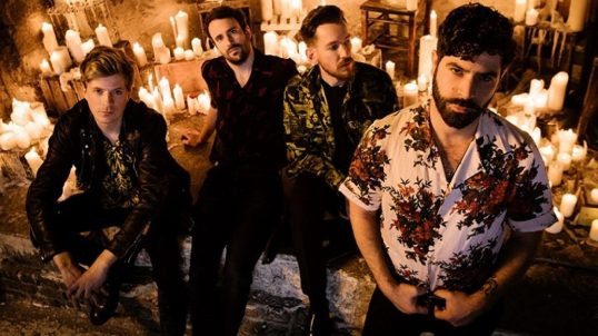 """I Foals si sono dimostrati una delle band indie rock più affidabili della scorsa decade grazie a lavori efficaci come """"Holy Fire""""."""