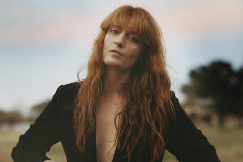Florence Welch, leader dei Florence + The Machine, è uno dei volti più noti del pop-rock.