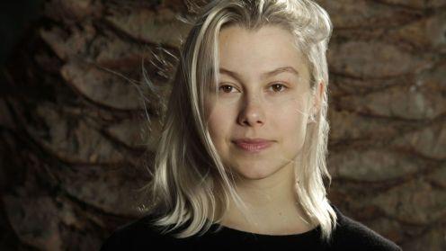 """Phoebe Bridgers ha pubblicato il suo album ad oggi più riuscito, """"Punisher""""."""