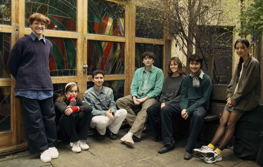 Una foto di gruppo dei Black Country, New Road.